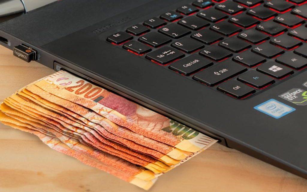 Menghasilkan Uang Dari Pengikut